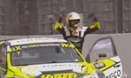 Her vinder russer i FIA World Rallycross for første gang: Se ham gå fuldstændig amok i jubel