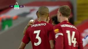 Fabinho smadrer Liverpool foran 3-0 fra distancen - se det vilde langskudsmål lige her
