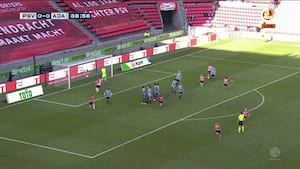 Flot frisparkskasse: PSV brager sig foran mod Ajax
