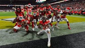 Mahomes-magi sikrer Chiefs første NFL-mesterskab i 50 år