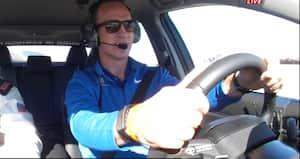 Han giver IKKE slip på det rat: NFL-legende fik lov til at sætte Daytona 500 i gang