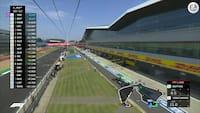 Vild positionskamp på Silverstone: Skakspil på pitmuren mellem Red Bull og Mercedes