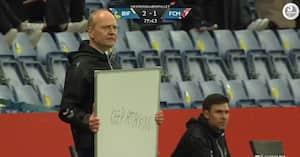 En analog mand i en digital tidsalder - derfor brugte Niels Frederiksen et whiteboard til at coache Brøndby-spillerne