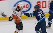 Dansker viser store cojones og tager slåskamp mod NHL-superstjerne - det giver ros