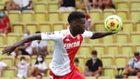 I kikkerten hos storklubber - stortalentet Badiashile vinder kampen for Monaco