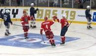 MÅL! Lars Eller åbner selv scoringen til Hockey Stars - se det her