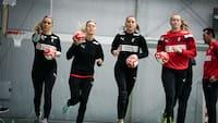 De danske håndboldkvinder kan rende ind i verdensmestrene ved hjemme-EM