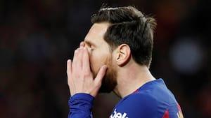 Messi og co. går ned i løn og kritiserer Barcelona