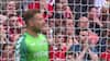 Vildt tilbageblik: Forsvarer scorer selvmål fra 30 meter - se alle tiders vildeste Wembley-selvmål