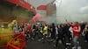 'Vrede fans prøver at stoppe kampen' - Jan Mølbys øjenvidneberetning fra Old Trafford