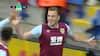 Burnley foran i Leicester: Wood pander 1-0-målet ind - Schmeichel er rasende