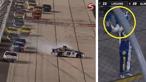 Kæmpe drama i NASCAR i nat: Rivalen kører ham ud af topstrid - så får han fuck-fingeren