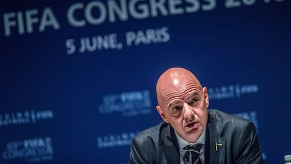 DBU-formand om Infantino: Der er behov for ro