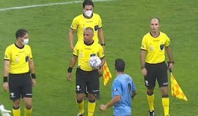 Cavani og Suarez raser over to manglende straffespark til Uruguay