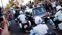 Midt i tumult og sorg: Maradona er begravet ved lille ceremoni