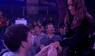 Kærligheden blomstrer til VM i dart: Mand frier blandt publikum - se hvordan det ender her