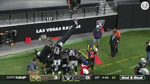 Farlig situation: Raiders-spiller er tæt på voldsomt uheld - hvad laver vognen så tæt på?
