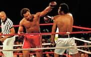 Før Joshua v Povetkin: Fem af historiens største KO's i sværvægt