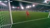 Danske Peter Vindahl passeres af formidabelt langskud af PSV's Boscagli - Se drønet lige her