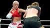 Australsk MMA-stjerne spår: April Adams tager bæltet fra Dina Thorslund