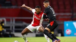Ajax fastholder dukseplads efter comeback i topbrag