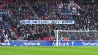 To år siden: Rørende scener, da hele Parken støtter Jesper Hansen - KEP kæmper med tårerne