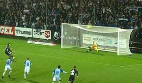 SønderjyskE raser over sent FCK-straffe - men Wind tordner bolden over målet