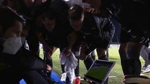 Så du det: Gladbach-spillerne ser gyserafslutning på den anden kamp på en tablet - og bryder ud i stor jubel