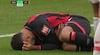 Så du det? Alisson hamrer knæ i ribbenene på Bournemouth-angriber og sender ham til tælling