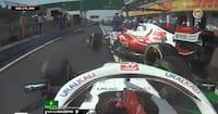 Dramaet fortsætter i Ungarn: Räikkönen brager ind i Mazepin i pitten