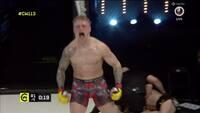 Kommende UFC-stjerne? Ubesejret waliser vinder lightweight-titel efter perfekt knæ i fjæset
