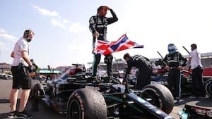 Voldsomt Verstappen-crash, Hamilton-sejr og nyt format – vi giver dig ALLE højdepunkter fra Silverstone