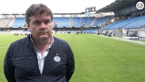 EfB-ejer beskytter Hyballa og ser bort fra spiller-udtalelser: Danske journalister er amatører