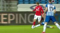 Nicklas Helenius sparker Silkeborg på 2-0 fra pletten