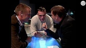 'Vi smadrer dét her bord' – Presset Frimann lagde arm med Mikkel Kessler
