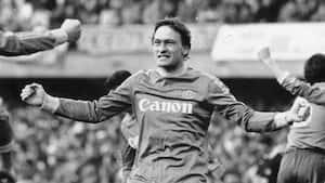 'Helvede brød løs': Preben Elkjær tager dig med tilbage til Hellas Veronas sensationstitel i 1985