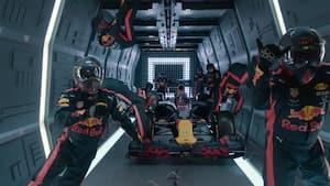 Fuldstændig vanvittigt: Her gennemfører Red Bull et svævende pitstop