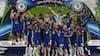 Her løfter Chelsea Super Cup-trofæet: 'Det er fedt at se - et forbillede'