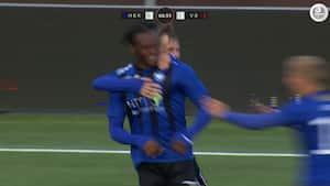 Fantastisk indhop: HB Køge-spiller smadrer bolden op i krydset