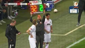 Augsburg-træner FLÅR to spillere ud før pausen
