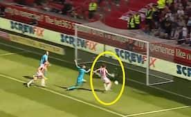 'Dear me, Joe Allen, how does he miss this one' - måske derfor Stoke City ligger helt i bunden?