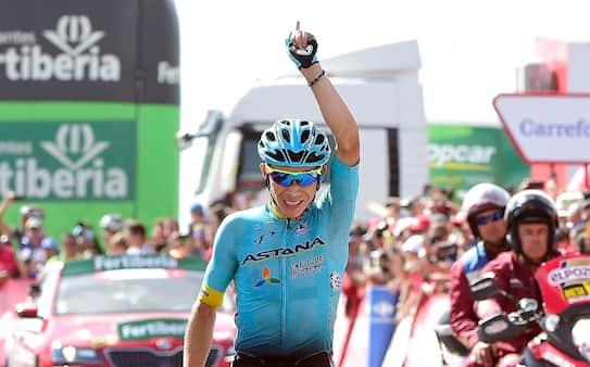 Colombiansk bjergrytter vinder hård Vuelta-etape
