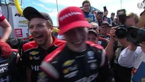 Josef Newgarden bryder sammen midt i vinderinterview efter sin anden IndyCar-triumf