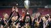 We are the champions! - Se øjeblikket hvor FC Midtjylland løfter pokaltrofæet her