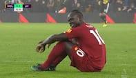 Liverpool-forskrækkelse: Mané får lårskade mod Wolves - se det her