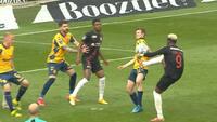 Brøndby Stadion koger efter langt VAR-tjek - Scholz høvler FCM på 1-0 fra pletten