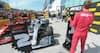 Flabet Vettel: Her fjerner han vinderskiltet fra Hamilton og flytter det over til sig selv