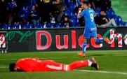 Spansk klub scorer fuldstændigt vildt mål: Bolden rører overhovedet ikke jorden