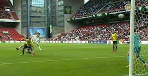 Jonas Wind tæt på 1-0-kasse - smækker bolden på overliggeren