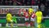 Vanvittigt held: Ligue 1-angriber forfejler hovedstød - men scorer med hælen